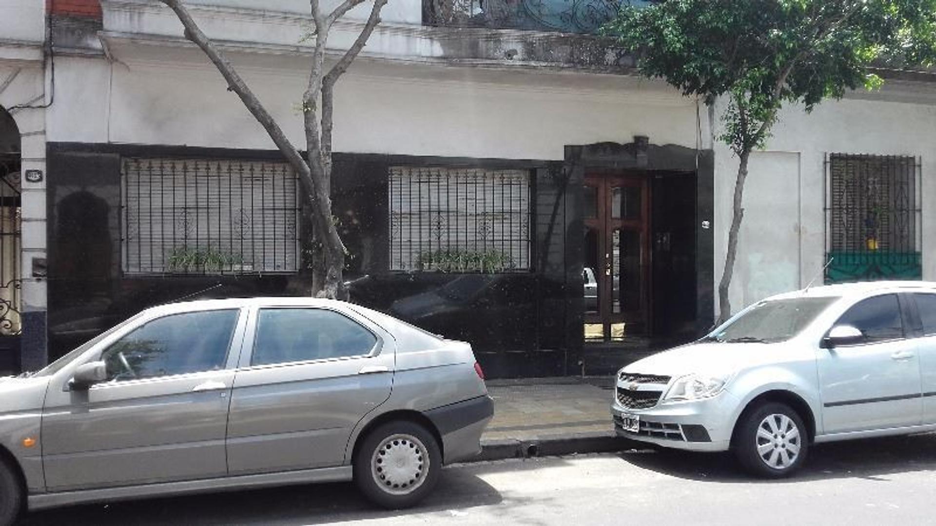 DOS AMBIENTES CON PATIO EN PLANTA BAJA.