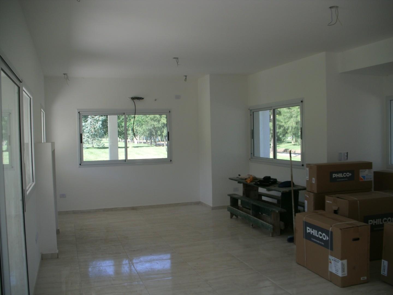 Casa en Club Miralagos con 3 habitaciones