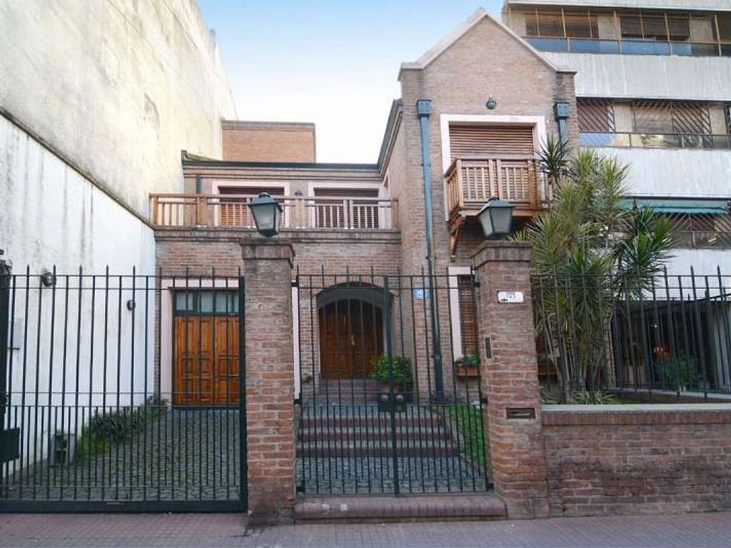 Casa en venta en yatay 143 almagro argenprop for Casa de azulejos en capital federal