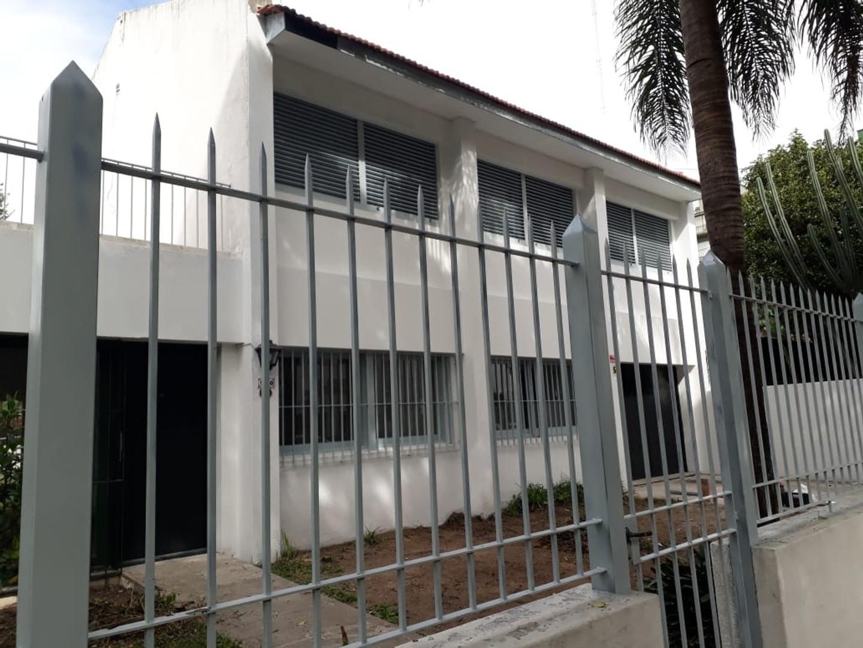 Casa en Alquiler en Olivos Vias/Maipu - 5 ambientes