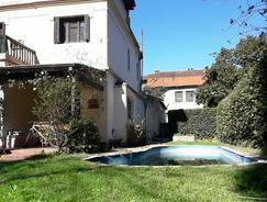 Espectacular Casa en Centro San Isidro. Increible Lote. Posibilidad Subdividir