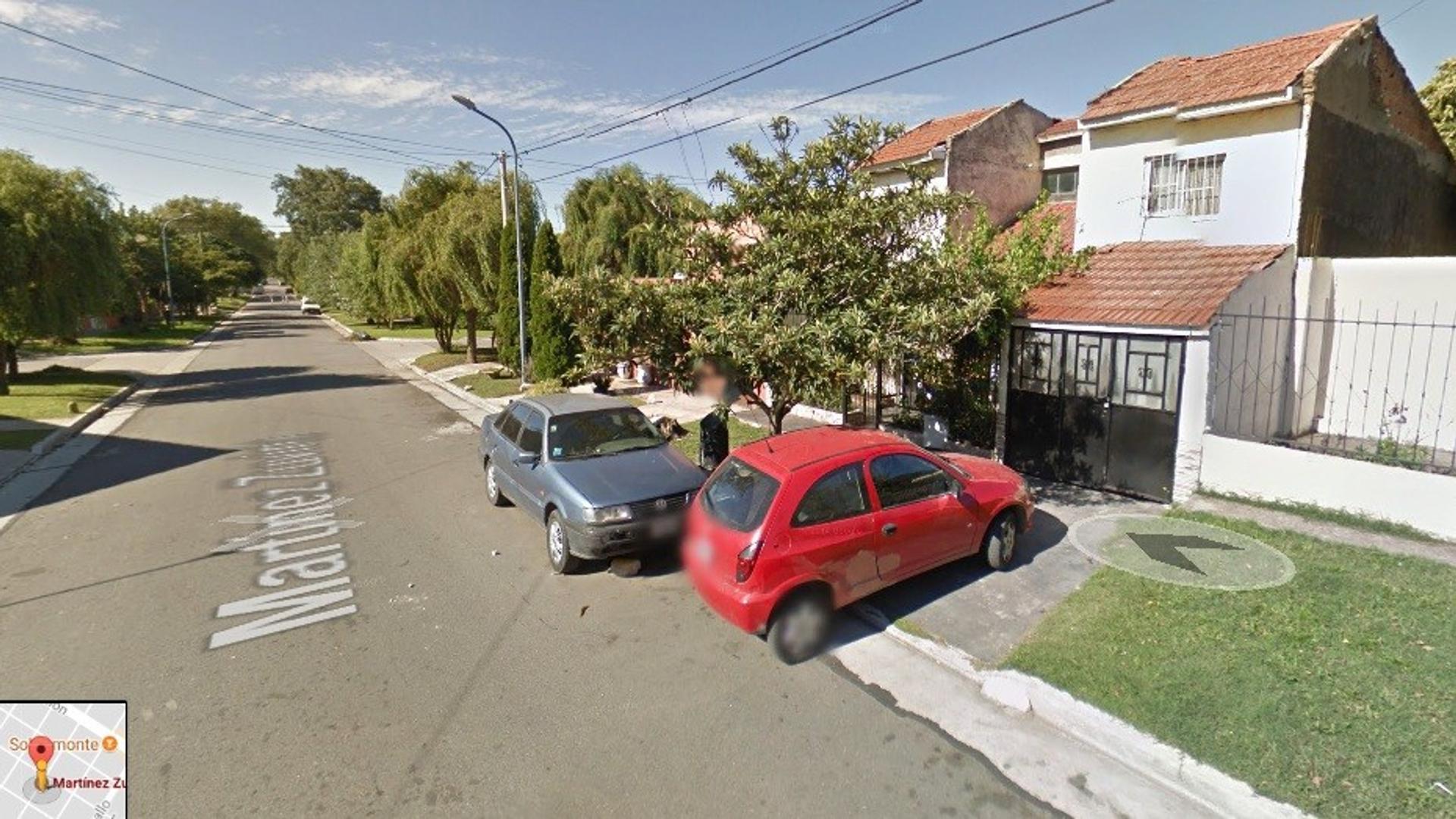CASA 5 AMB PATIO TZA COCHERA . LOS PINARES .