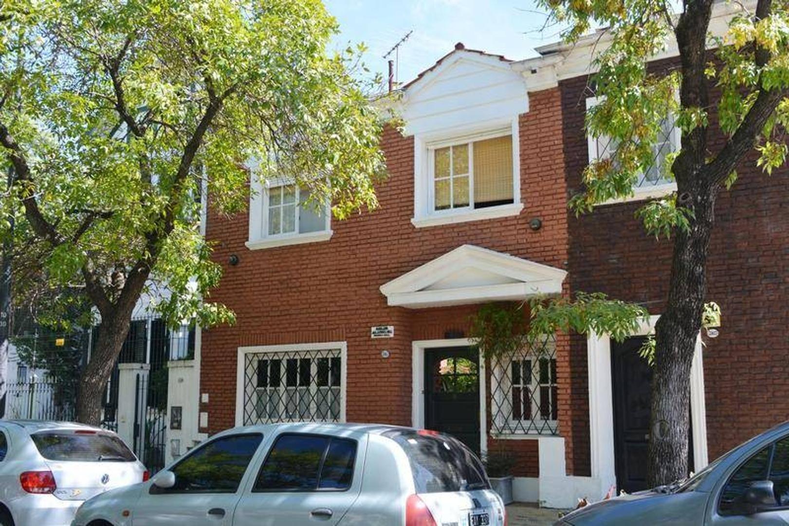 Casa en propiedad horizontal con acceso independiente!