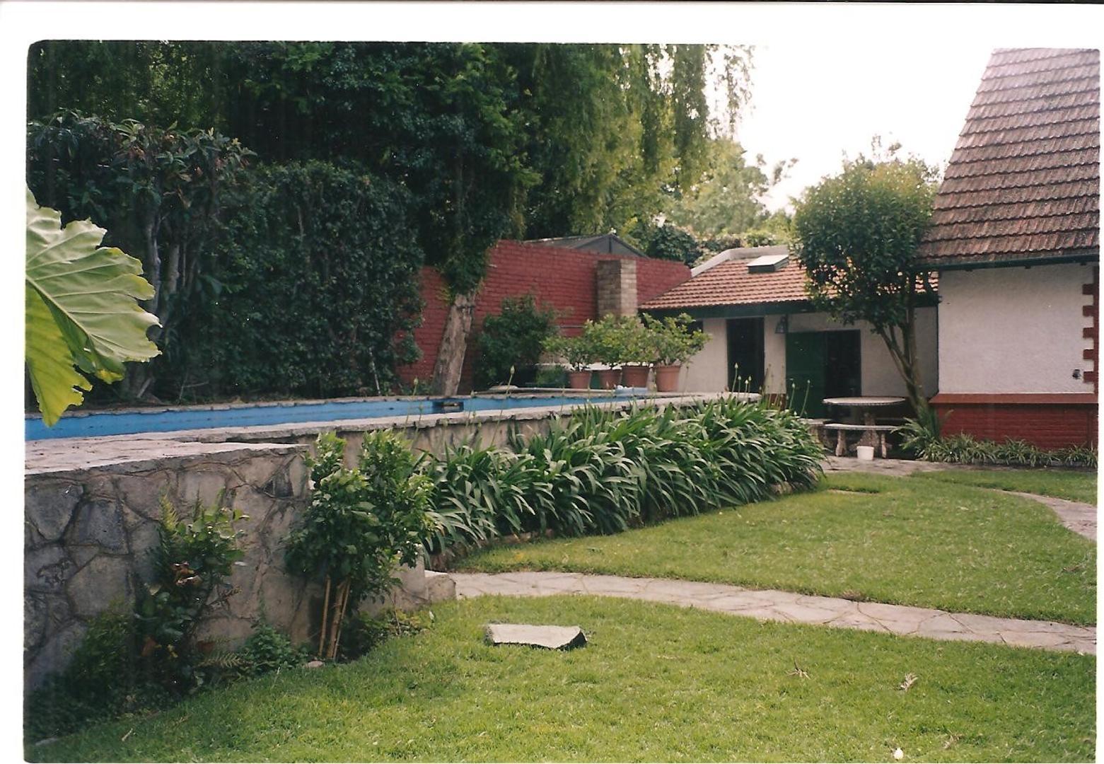 Casa - 400 m² | 4 dormitorios | 70 años