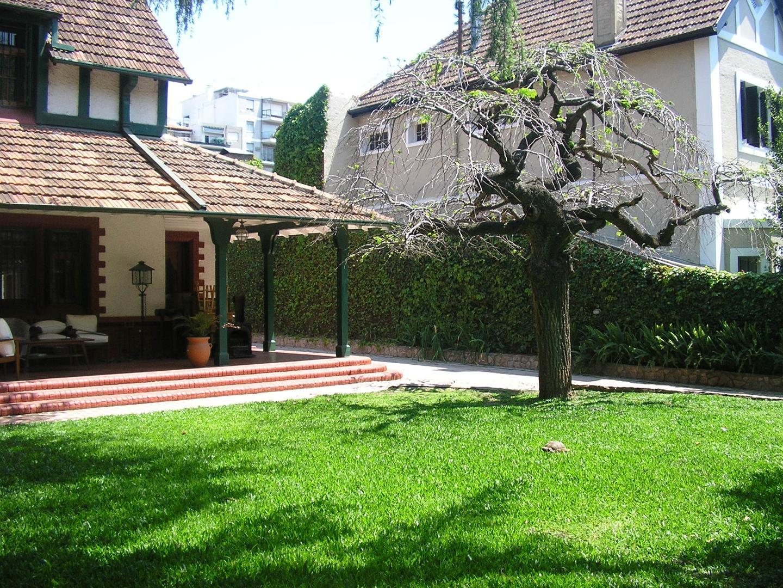Casa en Alquiler Por Temporada en Olivos Vias/Maipu - 9 ambientes