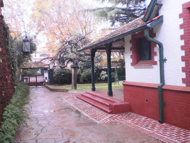Casa en Alquiler Por Temporada - 9 ambientes - $ 170.000