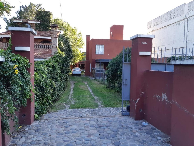 Casa en Alquiler en Arguello - 5 ambientes