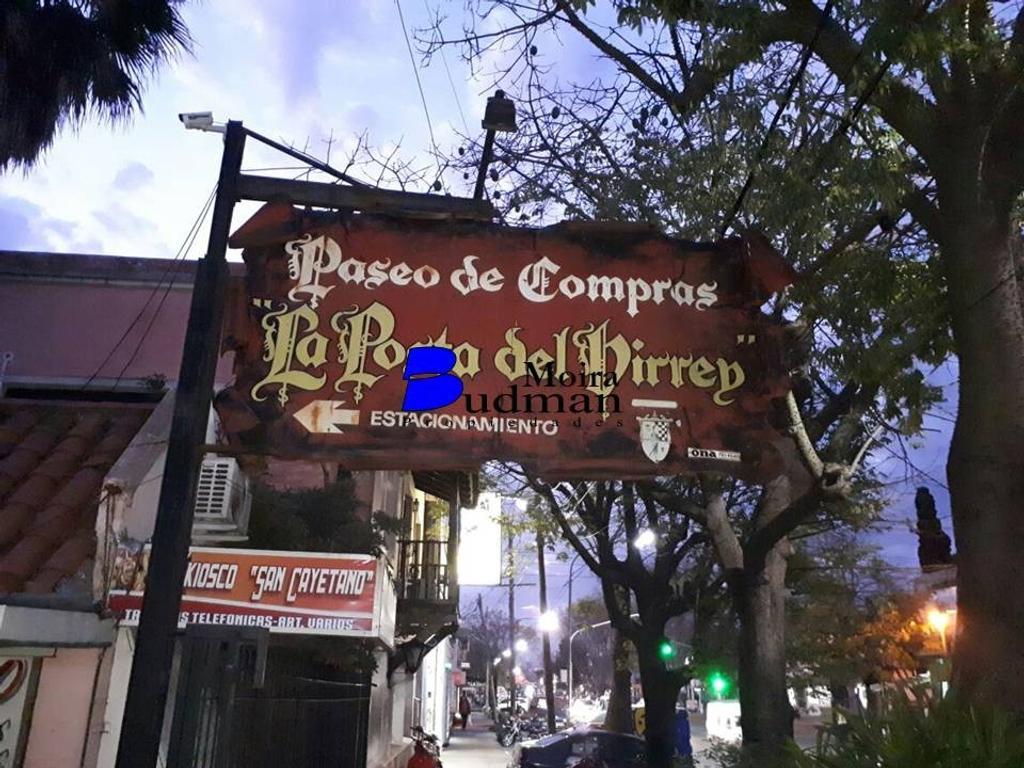 Local en galeria sobre Avenida Fleming - Martinez