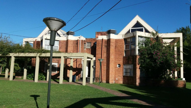Duplex dos ambientes en barrio cerrado