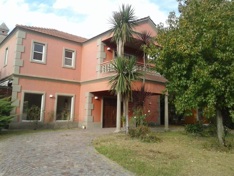 Casa en Venta en Acacias Blancas - 6 ambientes