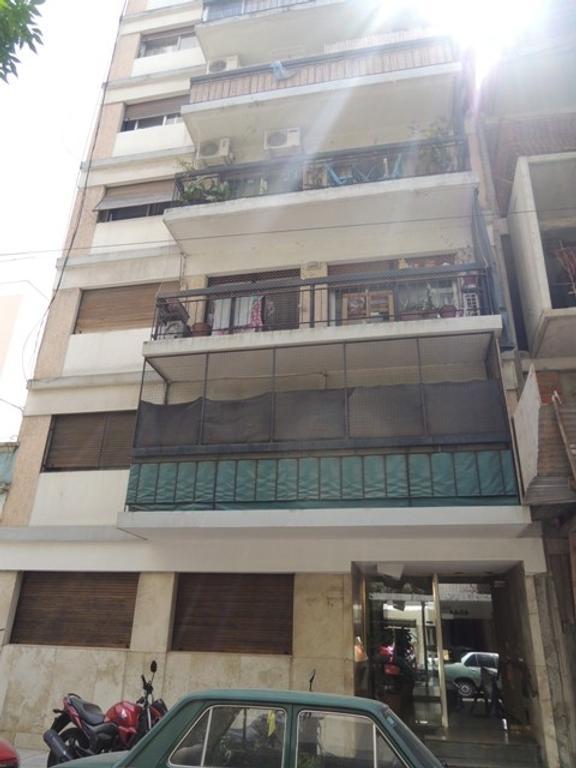 Alquiler de Departamento 2 Ambientes Pb en Saavedra, con patio