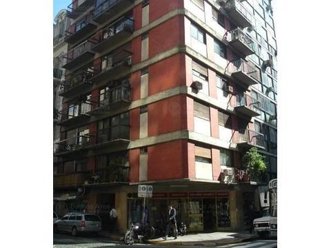 Departamento 2 ambientes con patio y balcon Galerias Pacifico