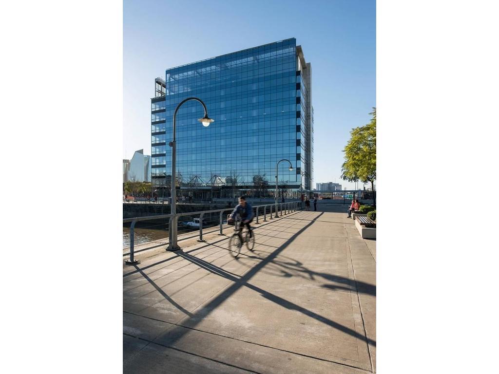 Oficina en alquiler en grierson cecilia 200 puerto for Oficina virtual puerto madero