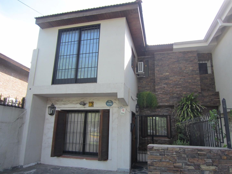 Oportunidad- Duplex en zona residencial/ comercial con muy buenas acessos
