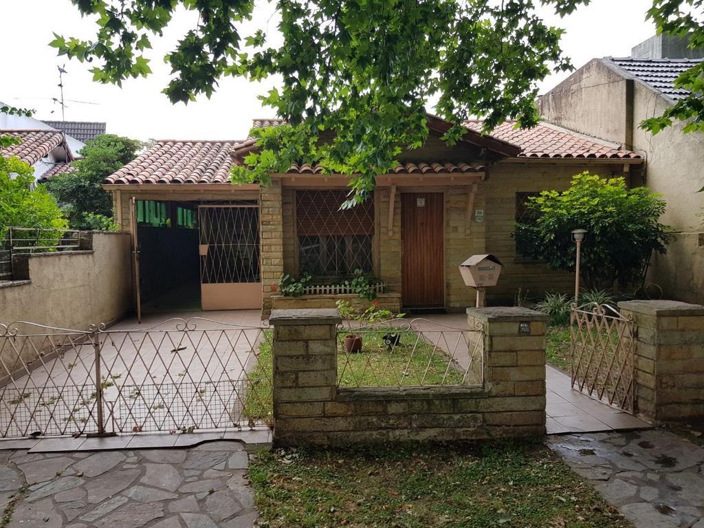 Casa en venta en bv san martin 2500 ciudad jardin del for Alquileres en ciudad jardin el palomar