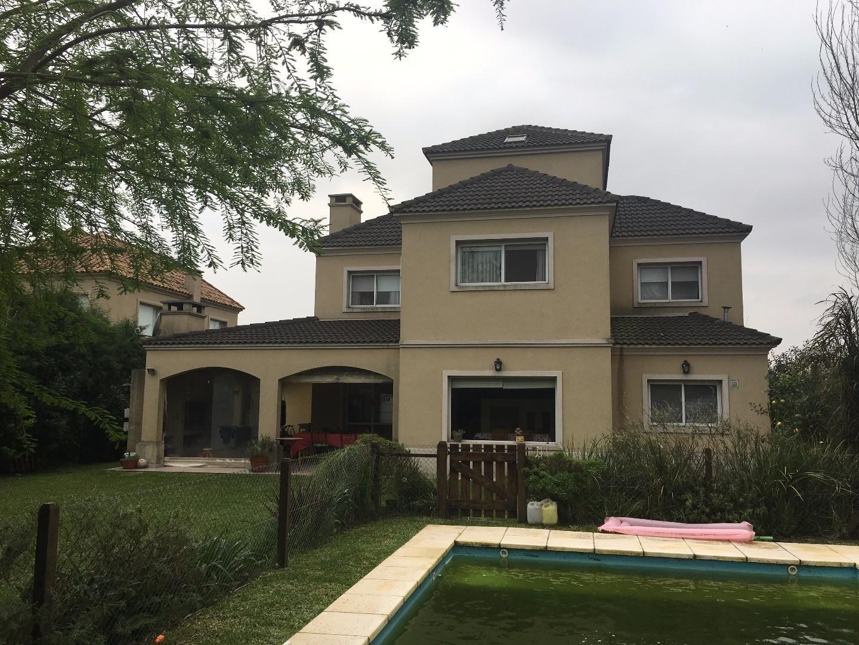 Excelente propiedad en El Rocío.