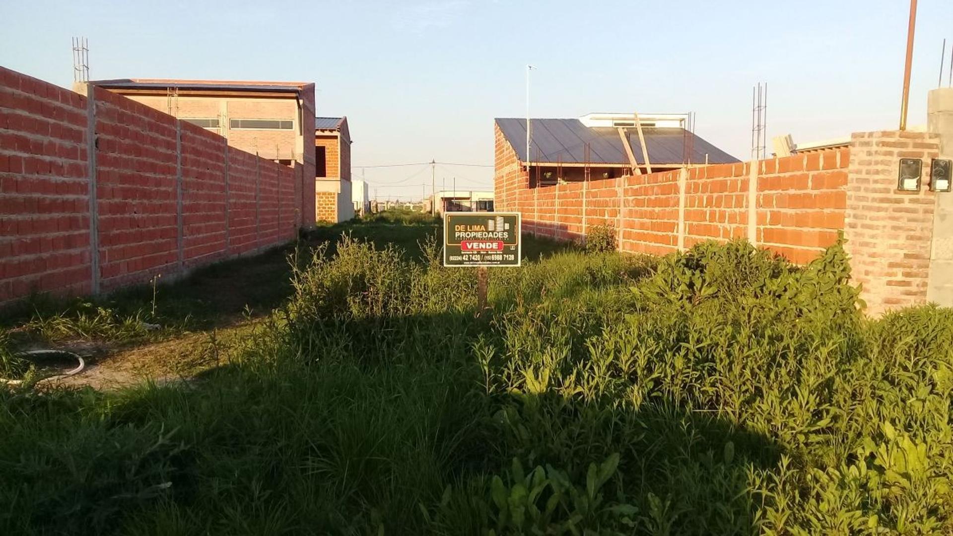 Lote en el barrio casas de santa ana -glew