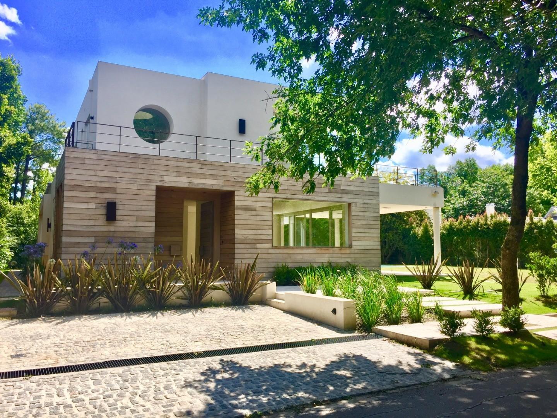 Casa en Venta en Tortugas Country Club - 5 ambientes