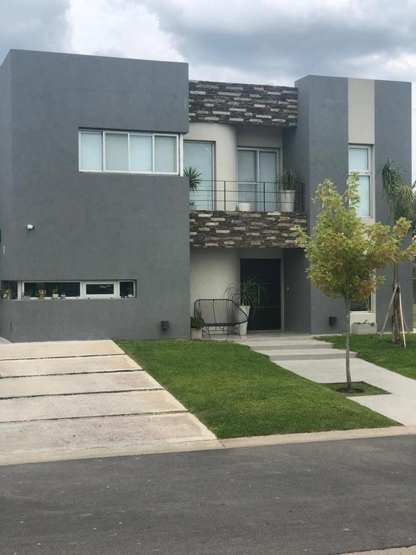 Casa en Venta en Otros barrios de Nordelta - 4 ambientes