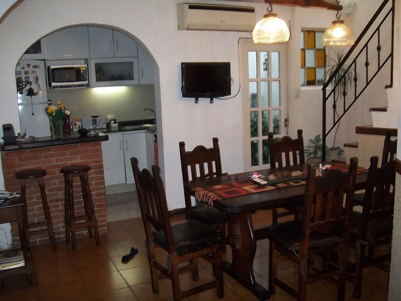 Casa - 110 m² | 3 dormitorios | 8 años