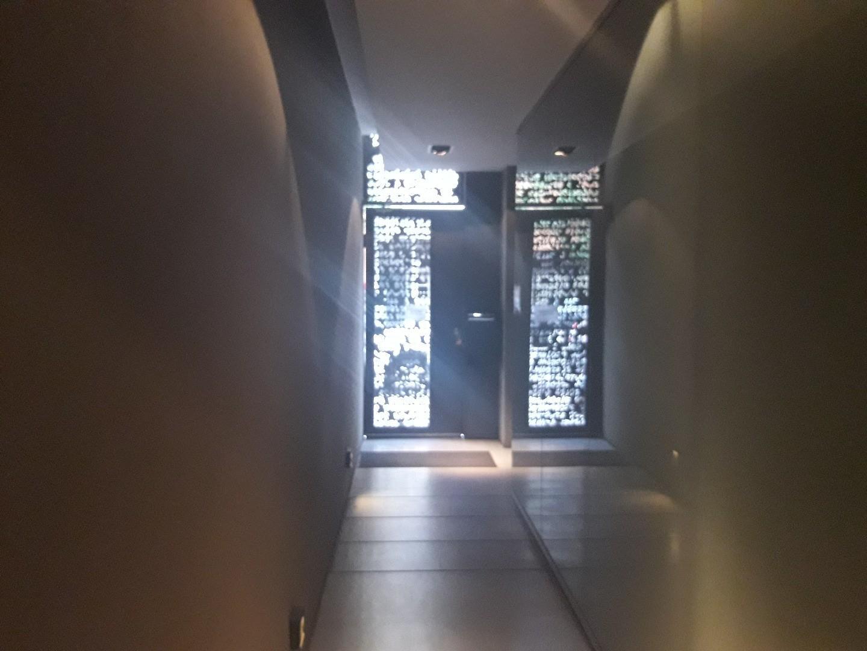 1 amb 38 m2 frente  balcon cocina americana con barra baño compl. amoblado y equipado NO TEMPORARIO