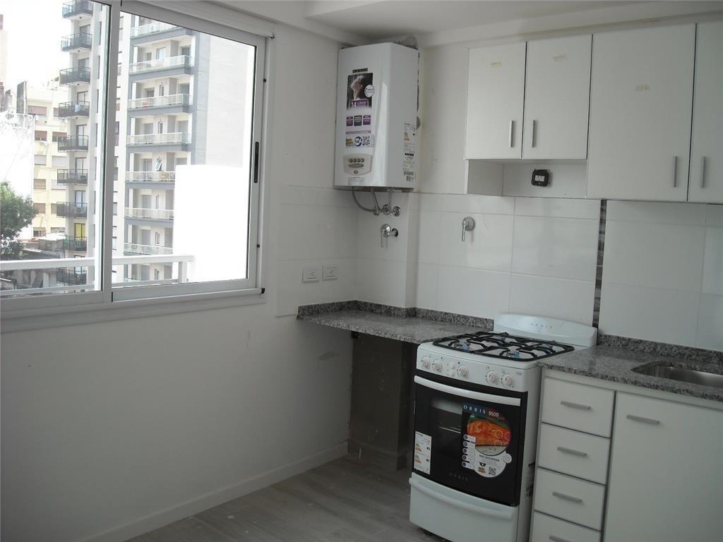 Duplex  con Balcon en las dos plantas  - Excelente calidad a metros Subte y Av. Directorio. Subte