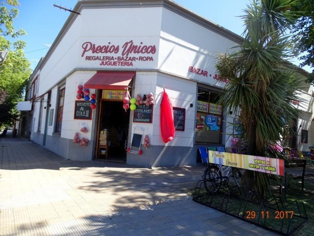 Dueño vende en Miramar excelente local sobre avenida