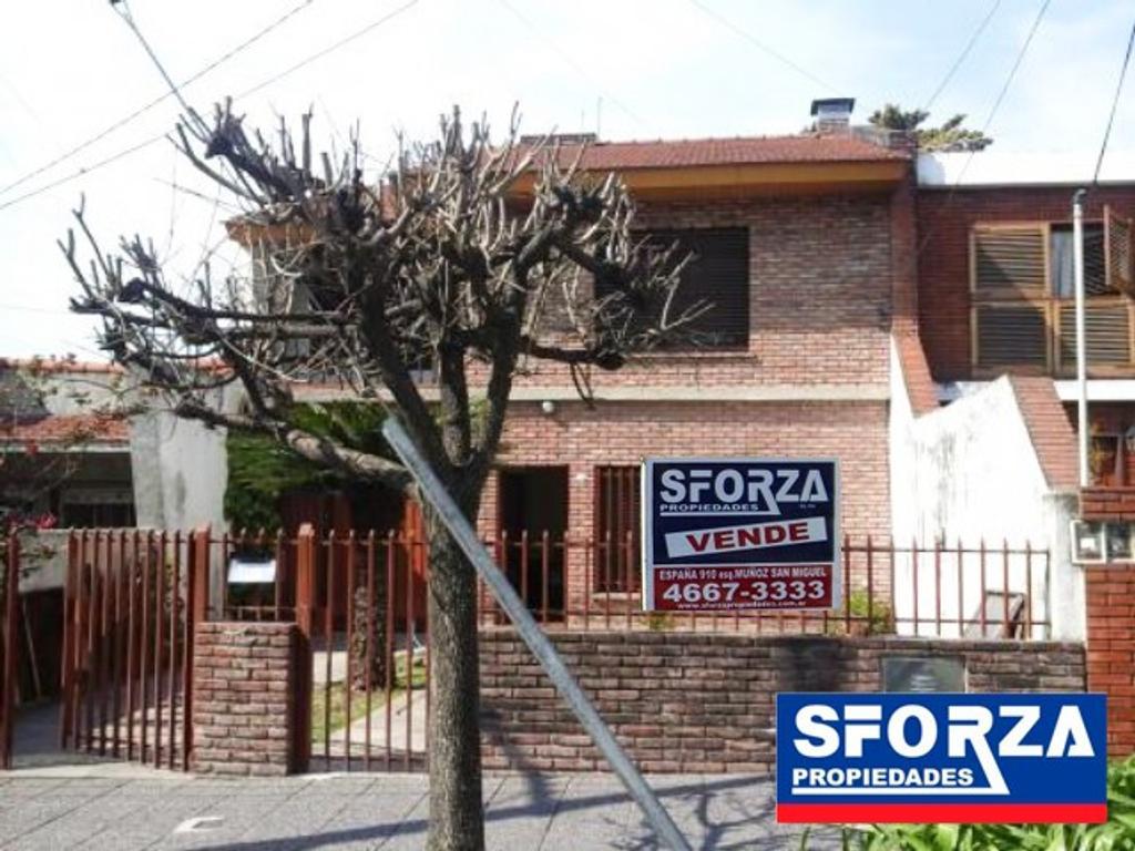 Chalet en venta, 4 dormitorios , EXCELENTE UBICACIÓN !