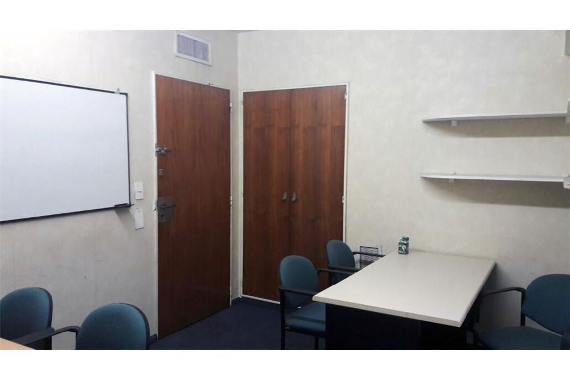 Oficina en alquiler en lavalle 500 microcentro argenprop for Oficinas en alquiler