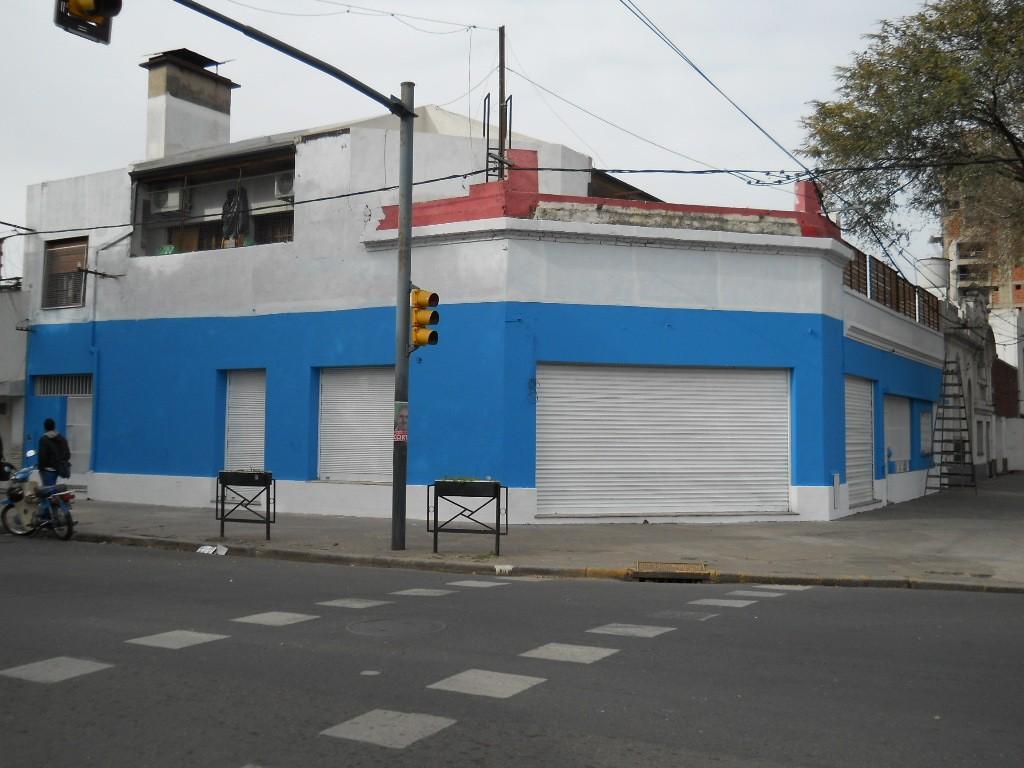 Local en esquina Pellegrini y San Nicolas. 280 m2