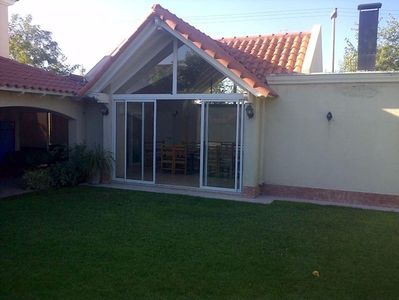 Casa en Venta en Villa Nueva De Guaymallen - 4 ambientes