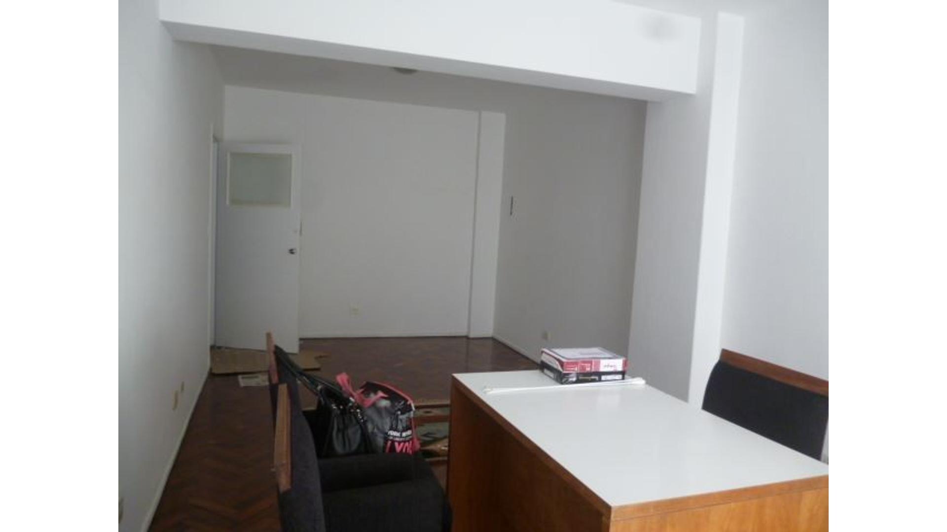 local en 2 piso en calle Florida al 500 luminoso a 1 cuadra y media de Calle Corrientes