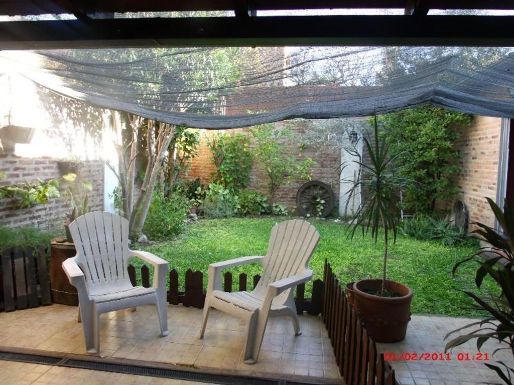 Casa en Terreno Propio de 8,66 x 26. Jardín- Terraza-Garage + Depto tipo Loft- Albariño 2100.