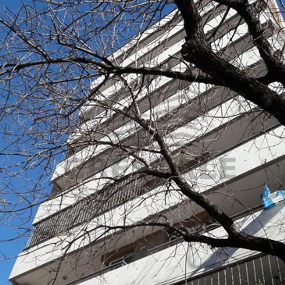 Constitución y 3 de Febrero - Departamento 1 dormitorio a la venta