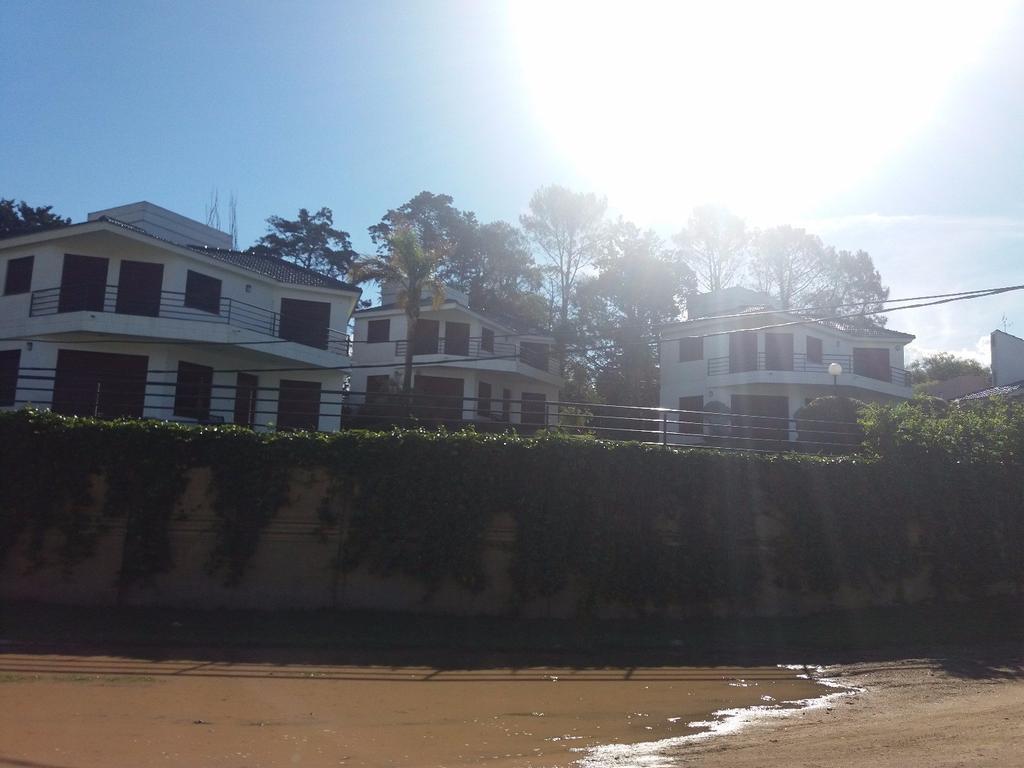 Alquiler Temporario Complejo de 3 casas p/6 personas cada una. COSTA AZUL - CARLOS PAZ