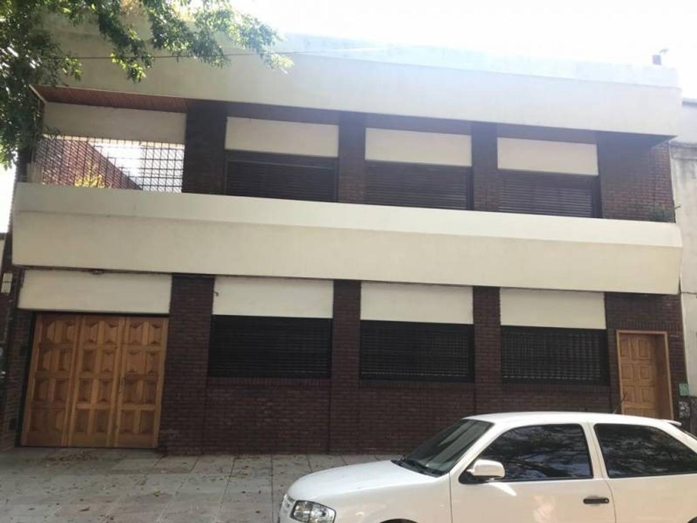 CASA EN VENTA-350 M2 TOTALES-ESPECTACULAR CASA EN NUÑEZ