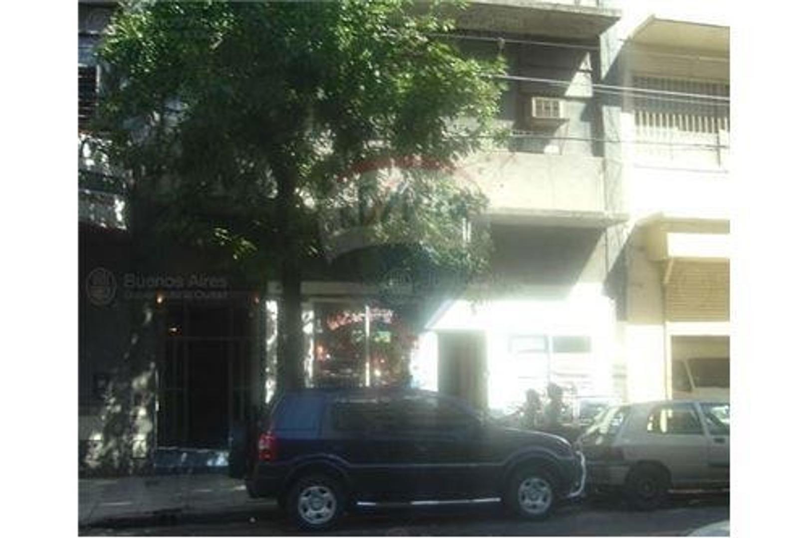 Local Comercial / 30 viviendas