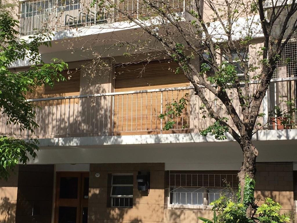 RESERVADO -Dueño alquila. excelente Departamento, muy luminoso, al frente, balcón corrido, cocina
