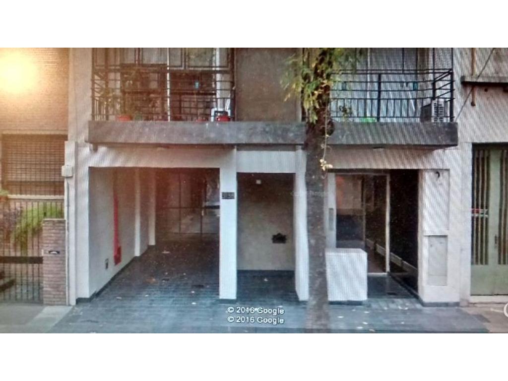 Hermoso mono ambte de 33 mts, al frente, con balcon, amplia cocina, sum, parrilla, Cochera