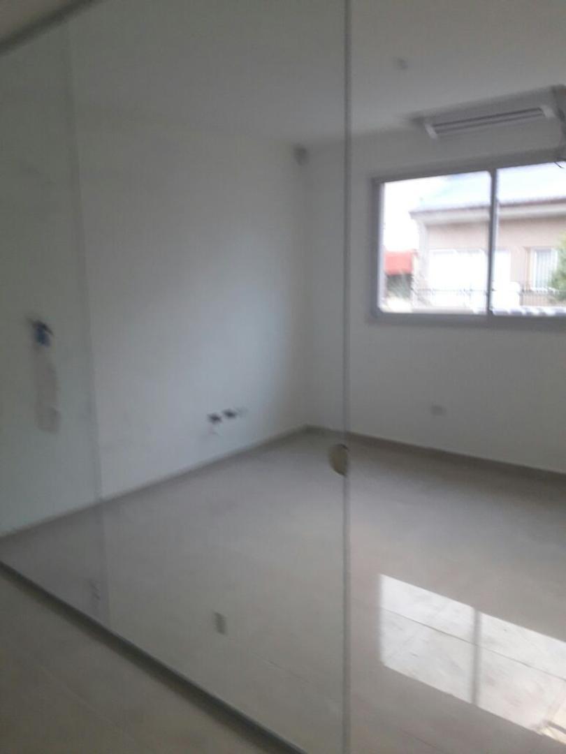Oficina en Alquiler - 4 ambientes - $ 70.000
