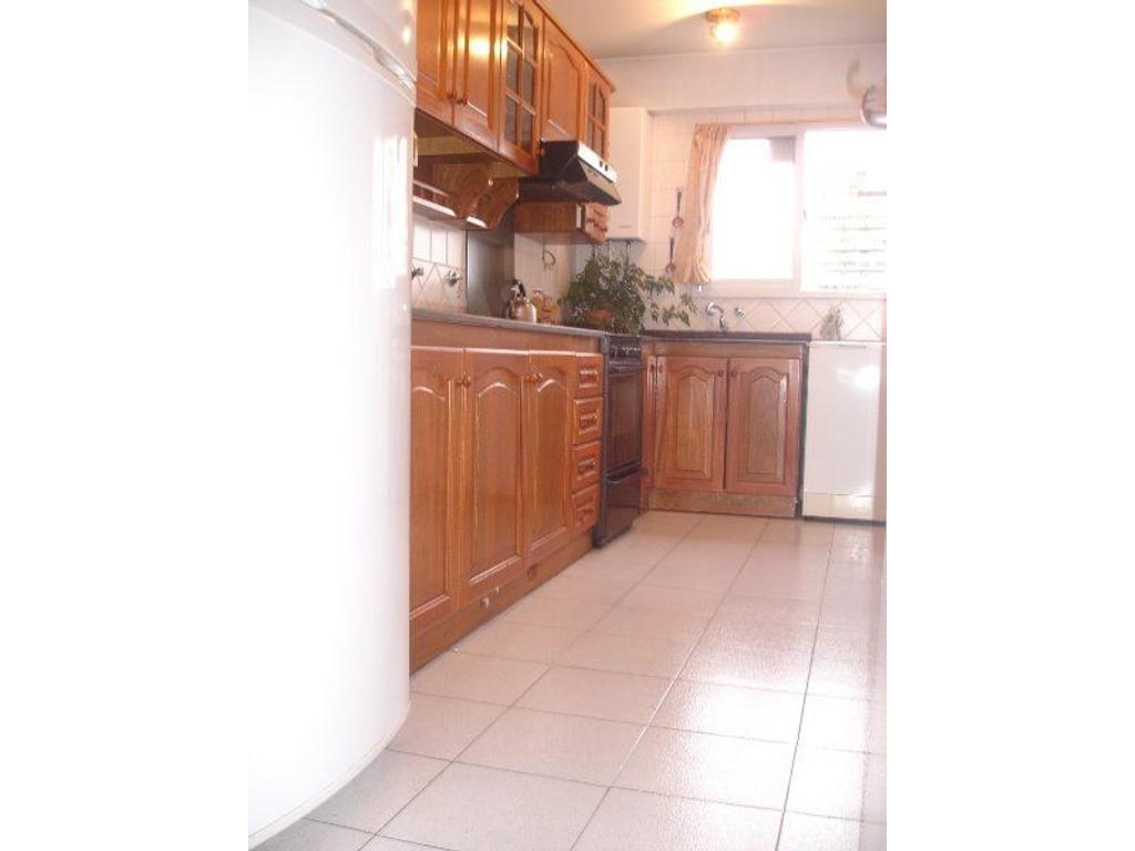Departamento En Alquiler En Ciudad De3 La Paz 3100 Belgrano  # Muebles Cabildo