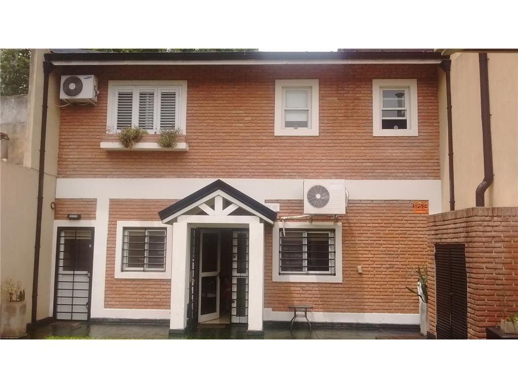 Casa 240m2 (3) Dorm amplios s/Lote 8,66x32 C/Quincho