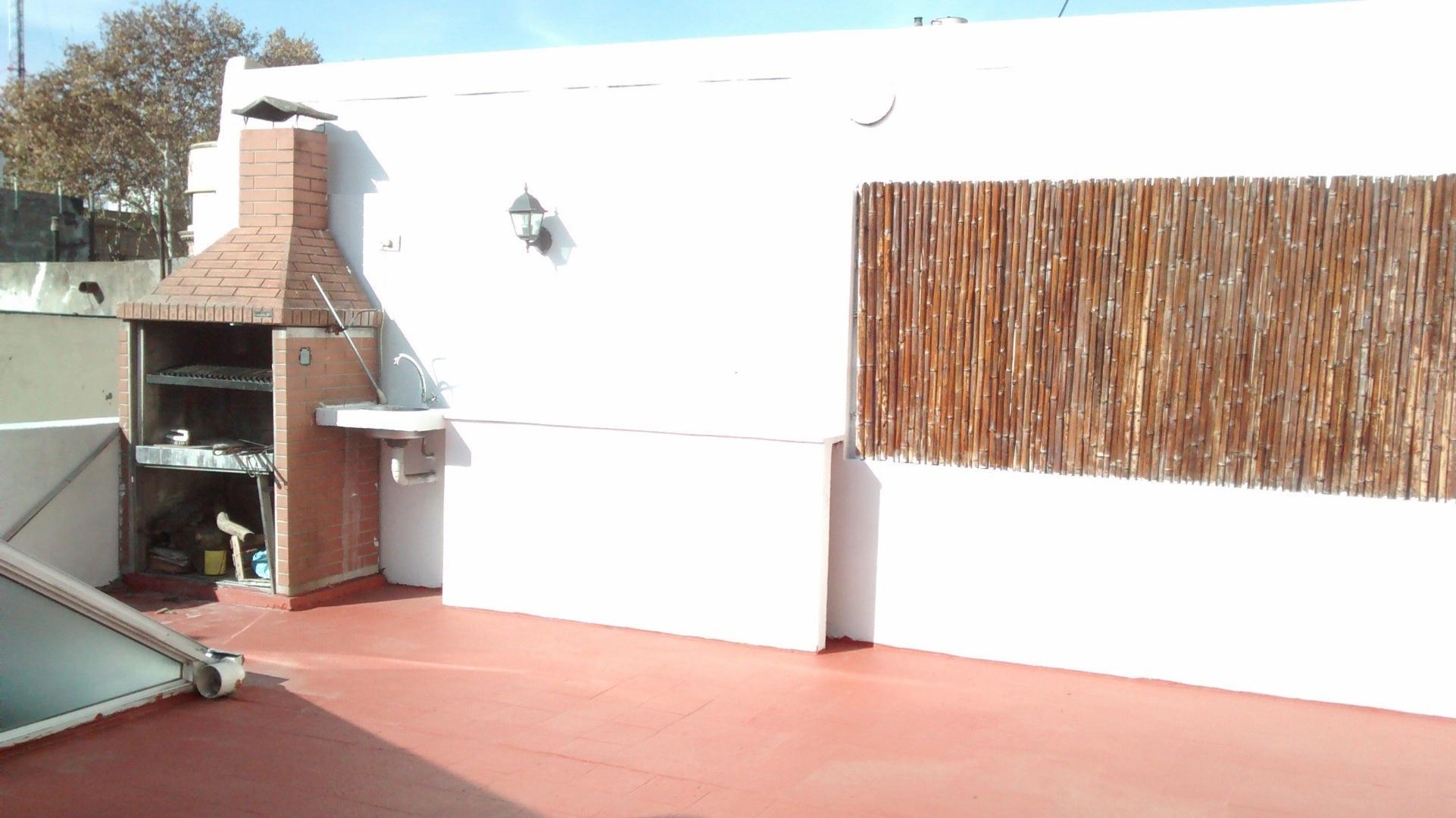 Excelente PH de 3 ambientes con terraza propia!