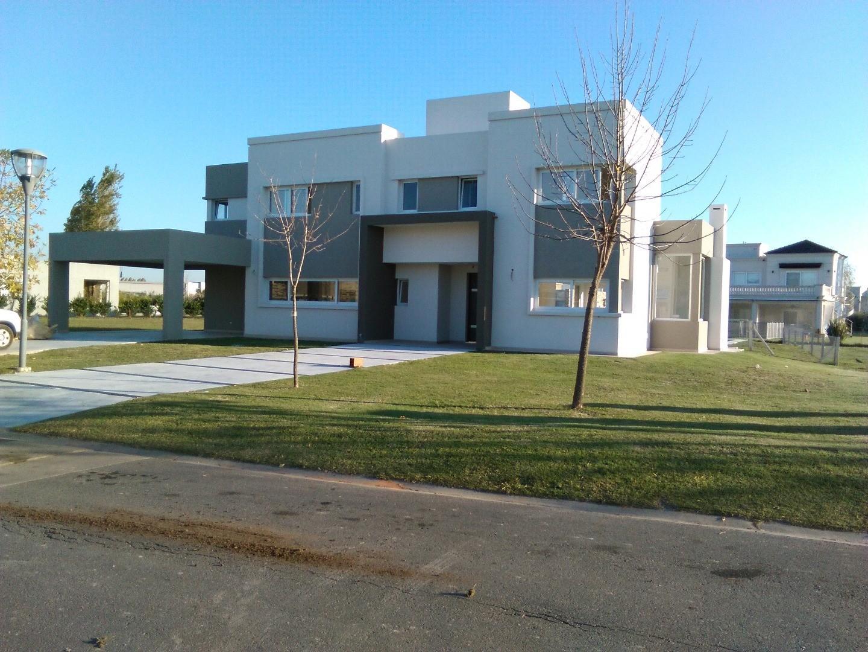 Casa en Alquiler en Terravista - 5 ambientes