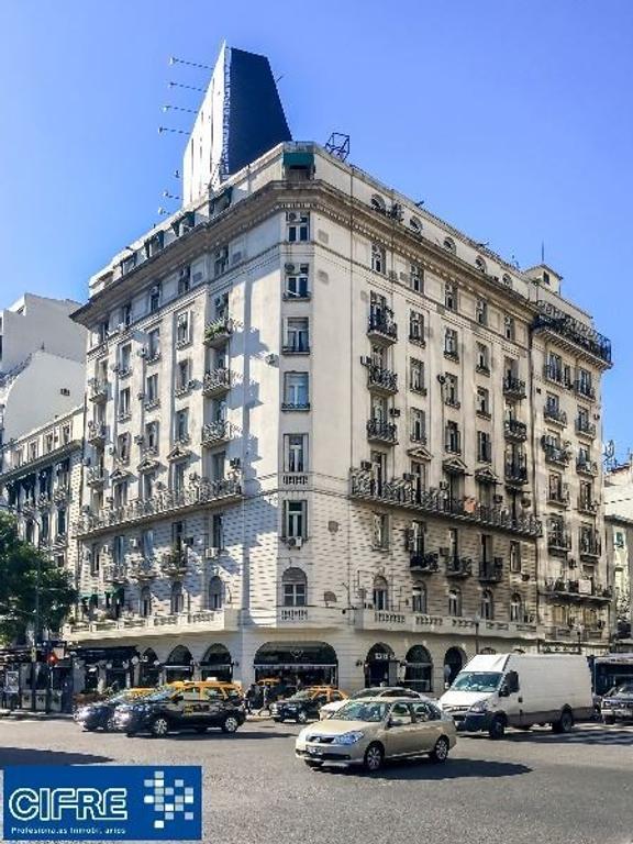 Oficina 514m2 en 2 plantas vista al Colon. Venta con renta en dolares 6% anual (Suc Puey 4574-4444)