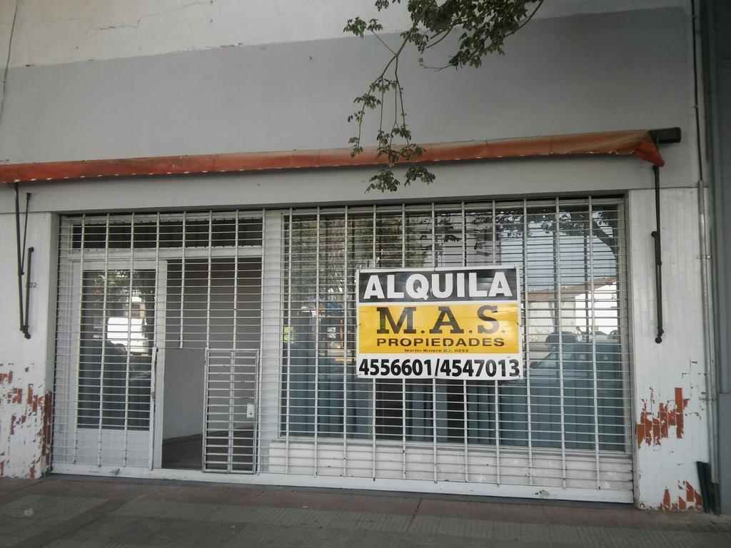 Local comercial excelente ubicación Av. Alberdi 424