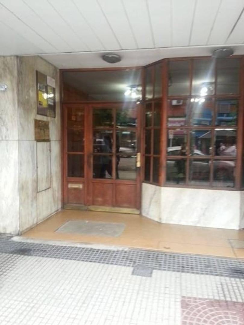 VENTA DE OFICINA AMOBLADA EN EDIFICIO RODRIGUEZ Y FLORES. SAN MIGUEL