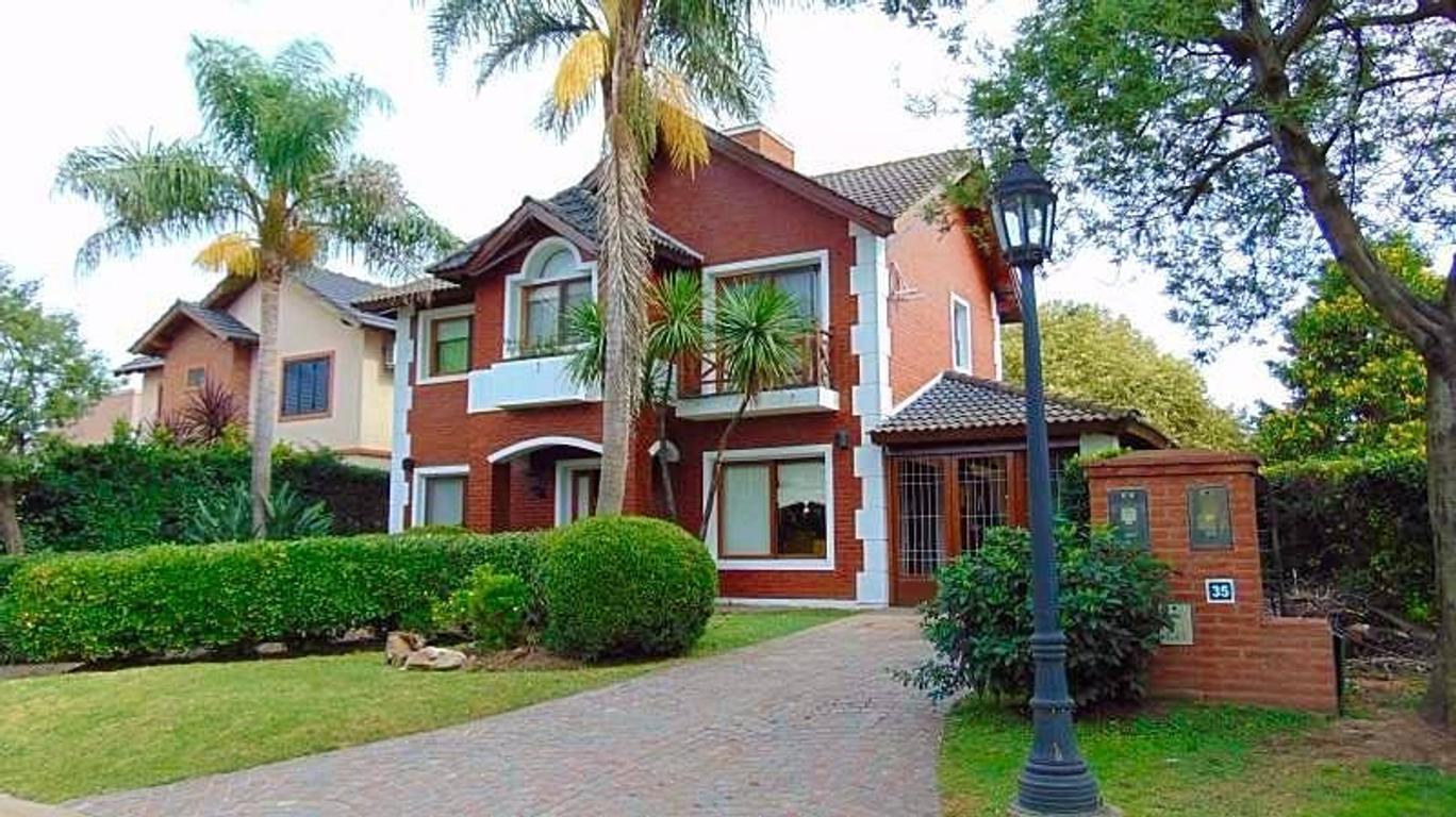 Casa en Venta,excelente estado, Moreno, Maria Eugenia 1000 metros