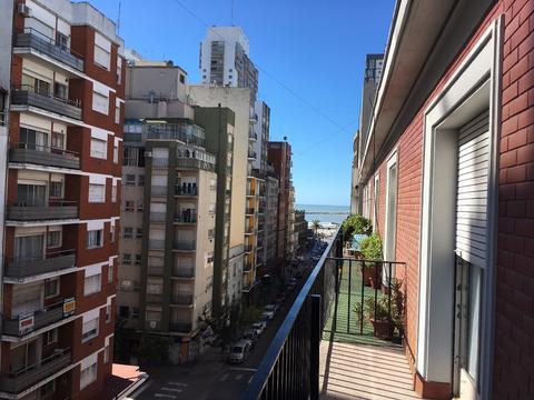 Corrientes 1800 - Excelente 3 Ambientes c/ Dependencias