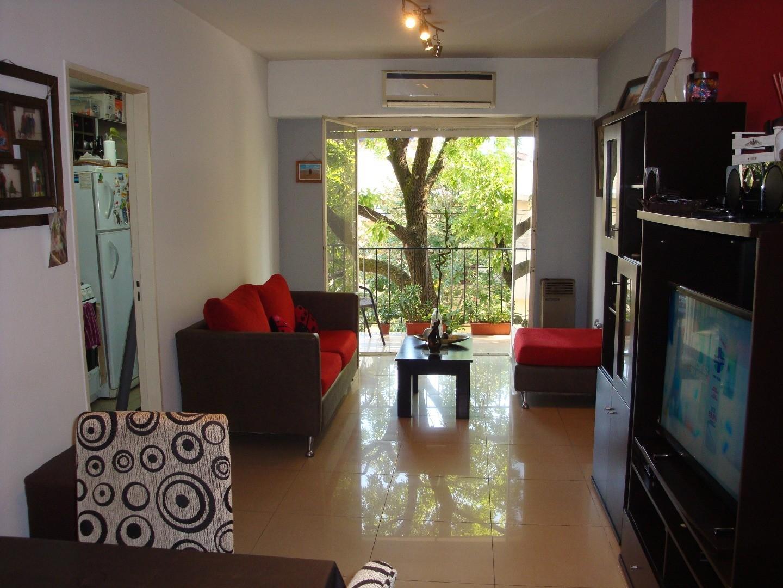 RESERVADO - HERMOSO!!! Depto 2 Ambientes al Frte , 43 M,  Refaccionado.